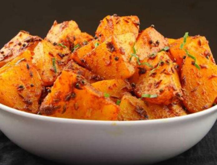 Φτιάξτε πεντανόστιμες Ινδικές πικάντικες πατάτες και αφήστε τους όλους με το στόμα ανοιχτό στο τραπέζι!