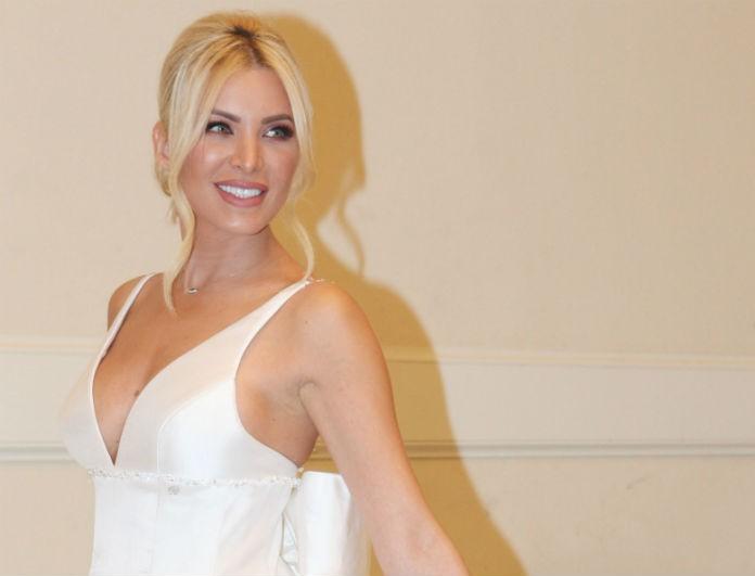 Κατερίνα Καινούργιου: Ντύθηκε νύφη και έλαμπε από ευτυχία! Πιο όμορφη από ποτέ μέσα στο λευκό της φόρεμα!