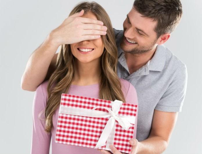 Αγόρια προσοχή! 6+1 δώρα που θα κάνετε στο κορίτσι σας του Αγίου Βαλεντίνου!