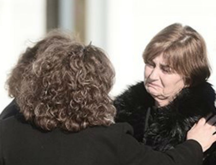 Υπόθεση Ελένης Τοπαλούδη: Η μητέρα της αποχώρησε από την δίκη με ασθενοφόρο! Τι συνέβη;