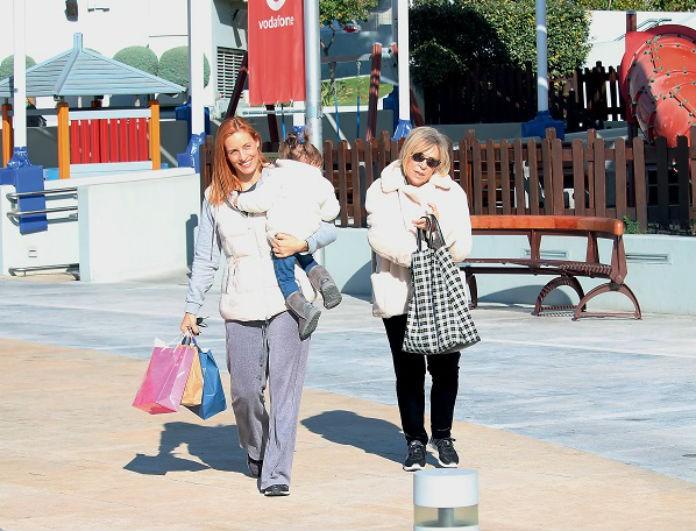 Ελεονώρα Μελέτη: Η κορούλα της έχει μεγαλώσει! Φωτογραφίες από την βόλτα στο πάρκο με την μικρή και την μαμά της!