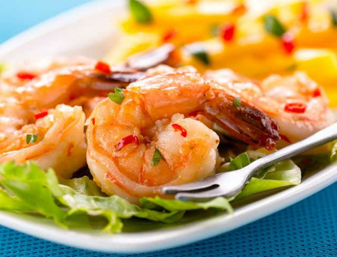 Φτιάξτε εύκολα και γρήγορα σαλάτα με γαρίδες και μάνγκο! Θα σας «τρέχουν» τα σάλια!