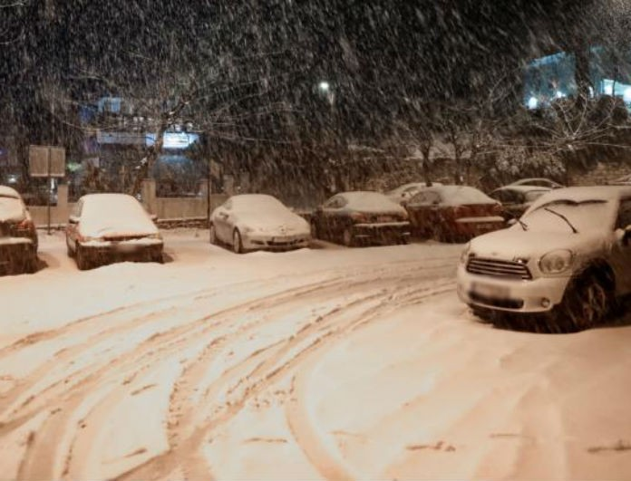Καιρός: Σαρώνει η κακοκαιρία! Σε ποιες περιοχές της Αθήνας θα χιονίσει σήμερα;