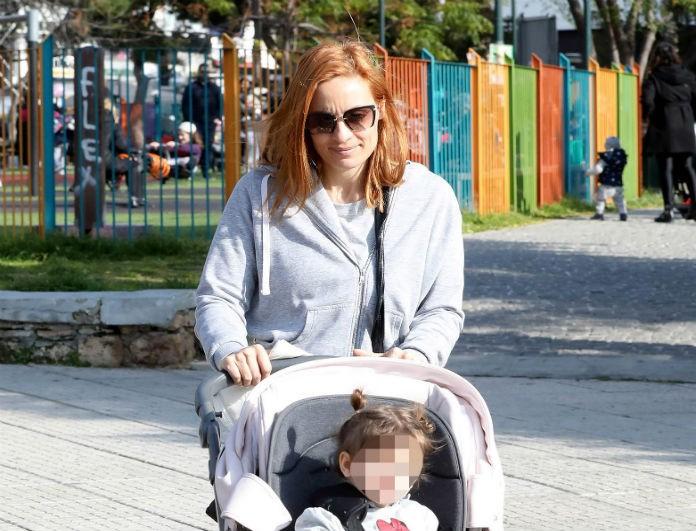 Ελεονώρα Μελέτη: Πήρε την κορούλα της και βγήκε βόλτα! Πού τις