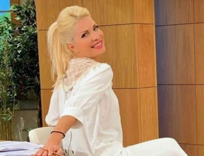Τα μποτάκια της Ελένης Μενεγάκη έχουν γίνει viral - Φόρεσε τα και εσύ με 65 ευρώ