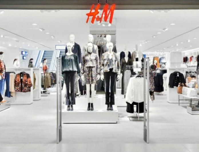 Θραύση στα H&M το πουκάμισο που γίνεται φόρεμα - Το παίρνεις με 30 ευρώ