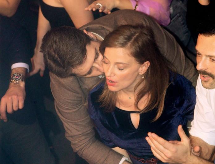 Αλέξανδρος Μπουρδούμης: Οι αγκαλιές και τα φιλιά στην φουσκωμένη κοιλίτσα της συντρόφου του