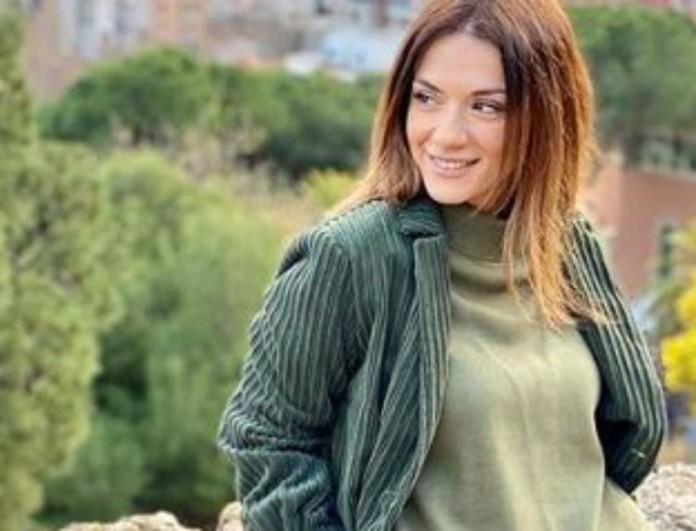 Η Βάσω Λασκαράκη πήρε Όσκαρ στιλ με ριγέ  παντελόνι - Είναι σε έκπτωση στα 69 ευρώ