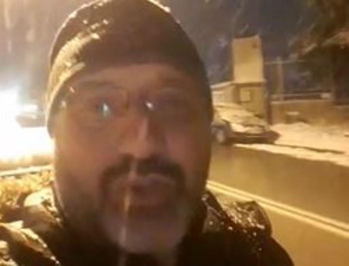 Χιόνια στη Θεσσαλονίκη! Συμβαίνει τώρα και είναι εκεί ο Σάκης Αρναούτογλου! Δείτε το live βίντεο!