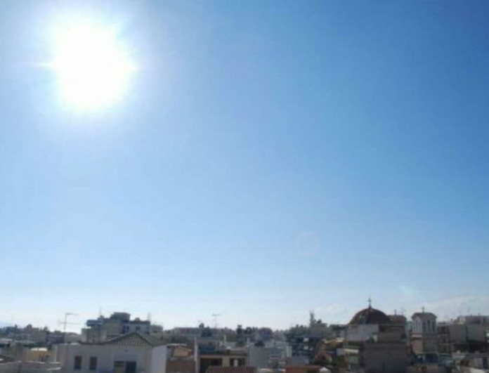 Καιρός σήμερα: Ζέστη και υγρασία! Στους πόσους βαθμούς θα φτάσει η θερμοκρασία