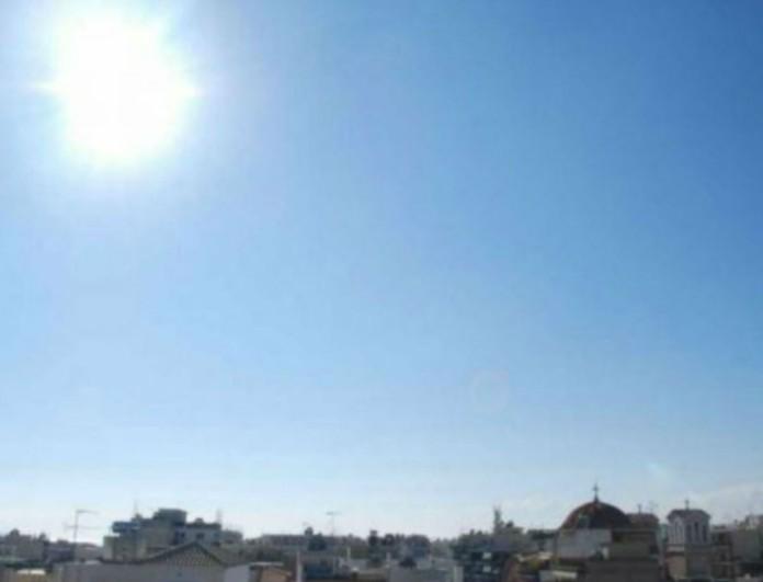 Καιρός: Παραμένει η υψηλή θερμοκρασία - Λιακάδα σε όλη τη χώρα