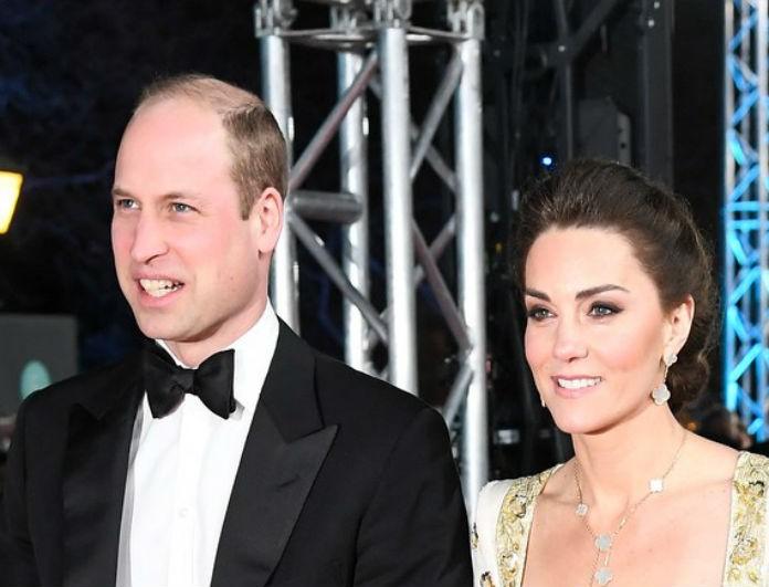 Kate Middleton: Με φόρεμα που θύμιζε νυφικό στο πλάι του William! Έπεσαν οι φωτογράφοι πάνω της!