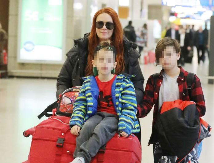 Η Σίσσυ Χρηστίδου στο αεροδρόμιο μετά το ταξίδι με τον Θοδωρή Μαραντίνη - Τους