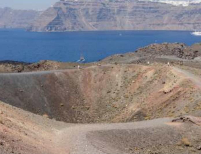 Τρόμος για το ηφαίστειο της Σαντορίνης -