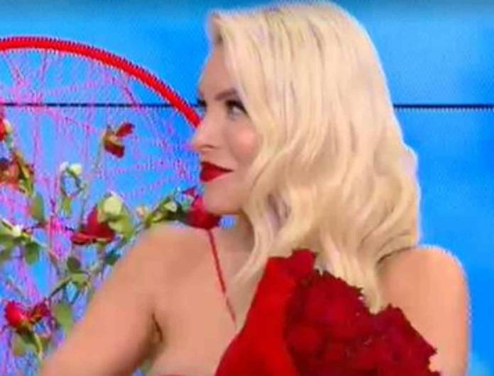 Κατερίνα Καινούργιου: Η φαντασμαγωρική έναρξη της εκπομπής και τα λουλούδια - μυστήριο