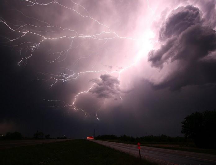 Καιρός: Αλλάζει ραγδαία το σκηνικό - Έρχονται ισχυρές βροχές και καταιγίδες!