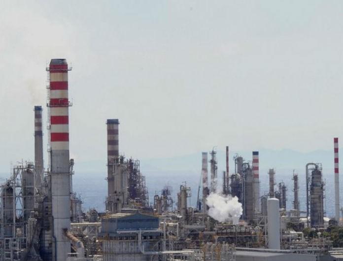 Κόρινθος: Στο νοσοκομείο σε κρίσιμη κατάσταση τέσσερις εργαζόμενοι της Motor Oil μετά από πυρκαγιά