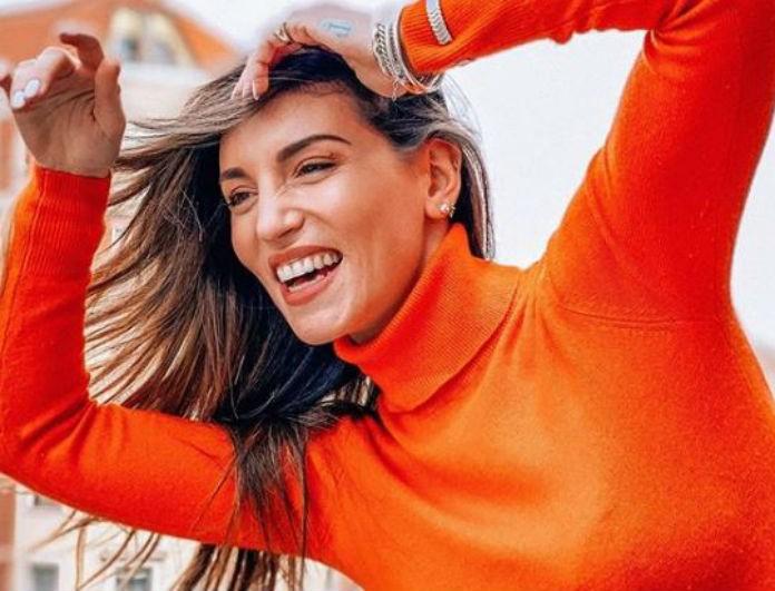 Αθηνά Οικονομάκου: Το παντελόνι της ειναι μπορντό και από δέρμα! Θυμίζει «σακούλα» και κοστίζει 82 ευρώ!