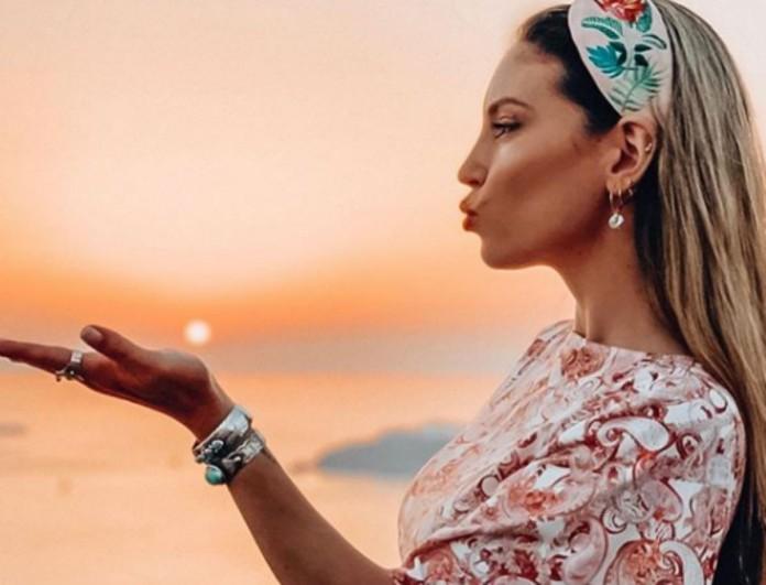 Φρενίτιδα με το Agnes φλοράλ φόρεμα της Αθηνάς Οικονομάκου - Τώρα 69 ευρώ λιγότερα