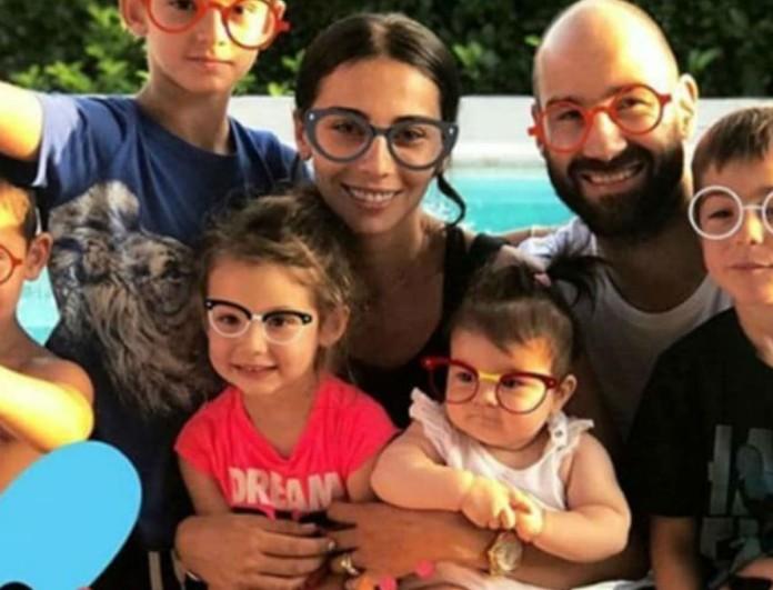 Ολυμπία Χοψονίδου: Στο σπίτι με το μωρό στην αγκαλιά - Η φωτογραφία με μαύρα μάτια
