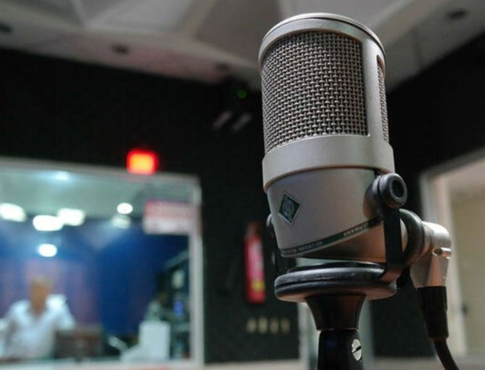 «Κανόνι» μεγατόνων στην αγορά! Λουκέτο σε θρυλικό ραδιοφωνικό σταθμό!