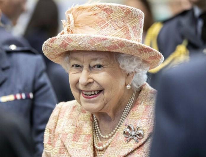 Έκτακτο ανακοινωθέν από την βασίλισσα Ελισάβετ