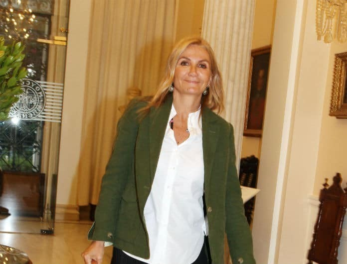 Η Μαρέβα Μητσοτάκη ενημερώνει για τον κορωνοϊό