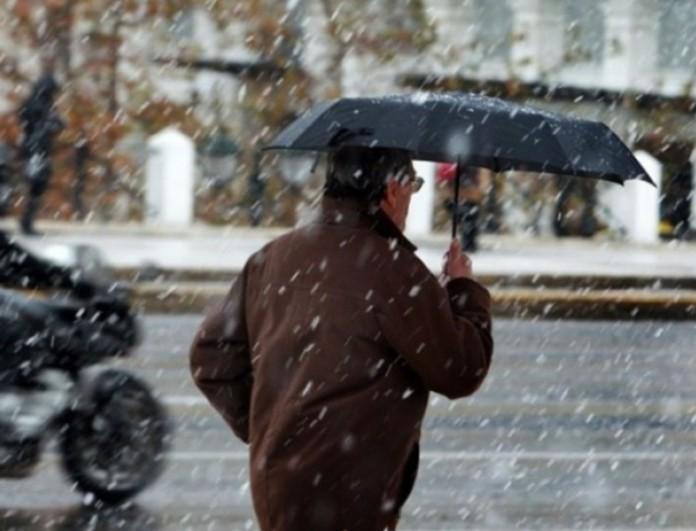 Χιόνια εν μέσω καραντίνας - Ποιες περιοχές της Ελλάδας ντύθηκαν στα λευκά;