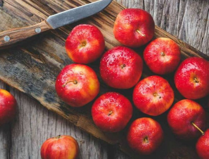 Αυτές είναι οι τροφές που πρέπει να αποφύγεις αφού φας μήλο