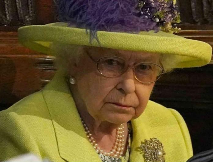 Πάντα ένα βήμα μπροστά η βασίλισσα Ελισάβετ - Να τι απαγόρευσε στην Μέγκαν Μαρκλ και τον Χάρι!