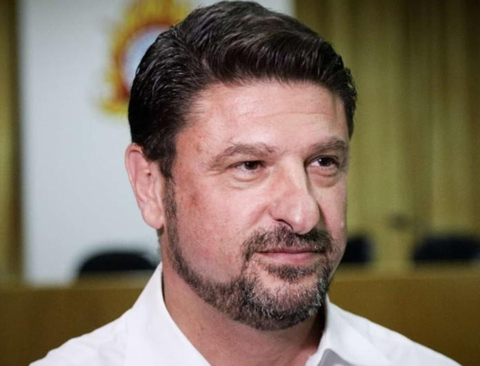 Νίκος Χαρδαλιάς: Δείτε πόσο μοιάζει στο πρόσωπο με τις κόρες του - Απίστευτο