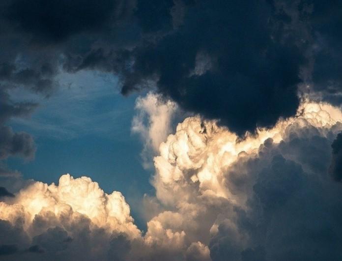 Καιρός (16/2): Τοπικές βροχές και ισχυροί άνεμοι - Ποιοι θα κρατήσουν ομπρέλα;