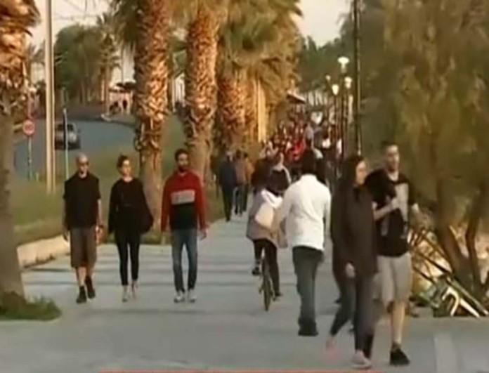 Ποια απαγόρευση κυκλοφορίας; Για βόλτα στον Φλοίσβο οι Αθηναίοι ανήμερα του Πάσχα