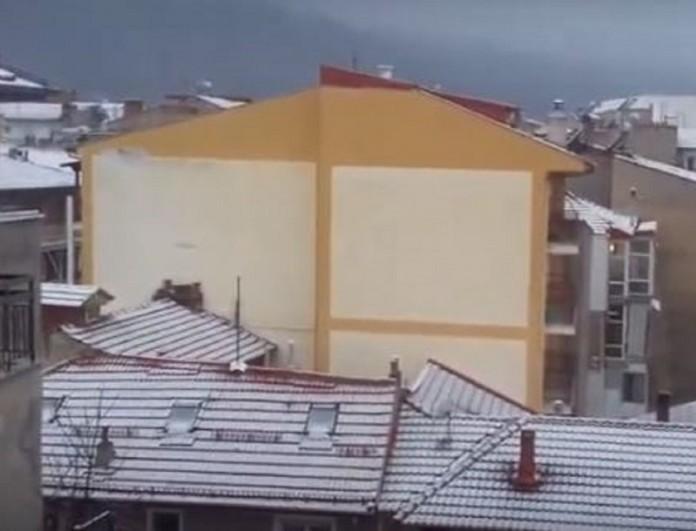 Καιρός: Ποια Άνοιξη; - Στην Φλώρινα ξύπνησαν με χιόνι