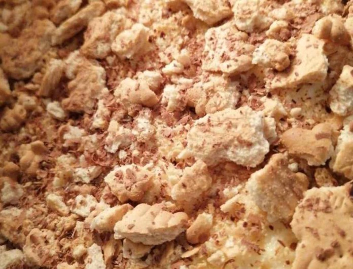 Γρήγορο γλυκό ψυγείου με μόνο 4 υλικά - Έτοιμο σε 5 λεπτά