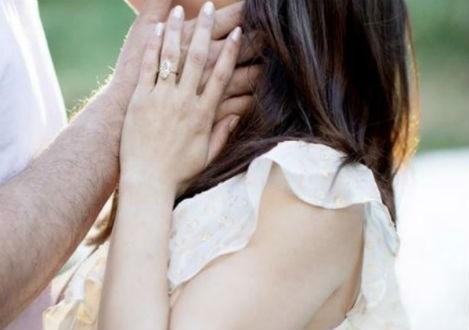 Ευχάριστα νέα για ζευγάρι της showbiz! - Αρραβωνιάστηκαν λίγο πριν γίνουν γονείς