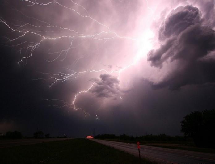 Καιρός (15/2): Θα μας ταράξει στις... βροχές - Ποιες περιοχές επηρεάζονται