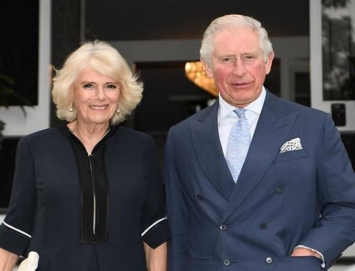 Ποια Diana; Ο Κάρολος χορεύει και ξαναγίνεται έφηβος στην αγκαλιά της Καμίλα
