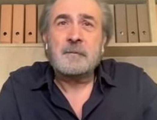 Ο Λάκης Λαζόπουλος παίρνει θέση για την πανδημία -