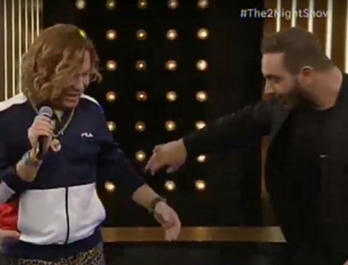 The 2night Show: Ο Τρύφωνας Σαμαράς αιφνιδίασε τον Νίκο Κοκλώνη!