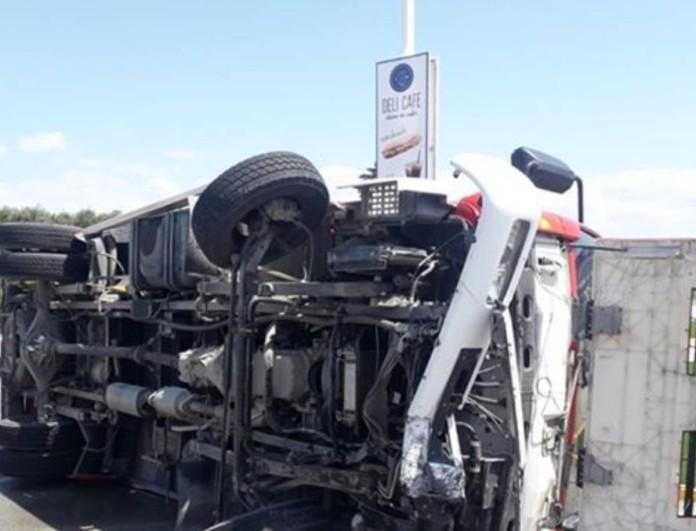 Τροχαίο σοκ στην Κρήτη: Συγκρούστηκαν τρία οχήματα και σώθηκαν από Άγιο