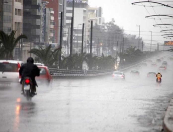 «Πλημμύρισε» η Αθήνα - Μεγάλη καταιγίδα στο κέντρο