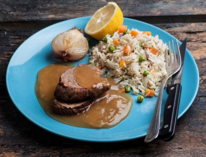 Μοσχαράκι με ρύζι και λεμόνι από την Αργυρώ Μπαρμπαρίγου - Σαν αυτό που φτιάχνει η μαμά