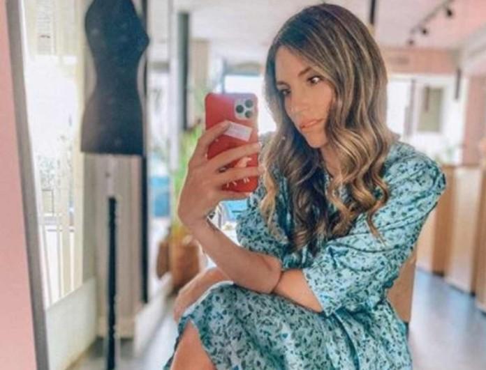 Η Αθηνά Οικονομάκου φόρεσε τα πέδιλα της σεζόν -  To snake print τους θα σε τρελάνει