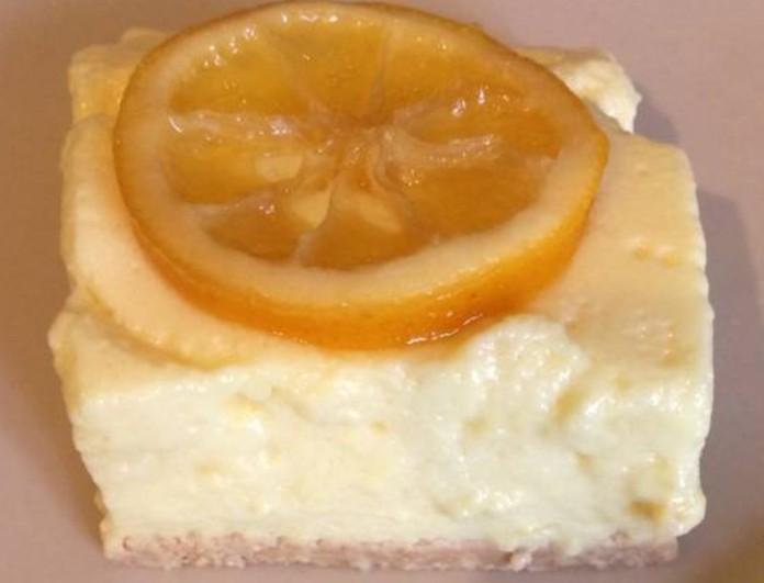 Ανοιξιάτικο γλυκό ψυγείου με άρωμα λεμονιού