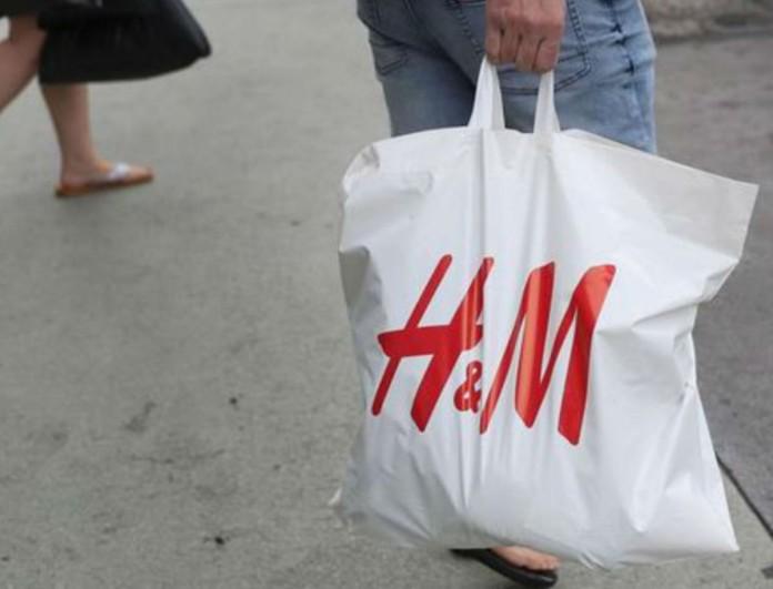 Χαρίζει απίστευτο στιλ αυτό το φόρεμα σε Α γραμμή  - Θα το βρεις στα H&M