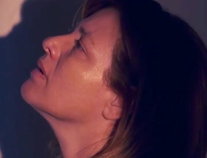 Φρίκη στο Γυναίκα χωρίς όνομα σήμερα (28/5) - Η Κάτια ξυπνά με ένα πτώμα δίπλα της