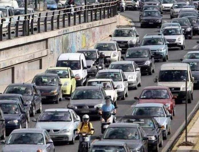 Συμβαίνει τώρα: Τροχαίο στην Λεωφόρο Αθηνών - Αυξημένη η κίνηση