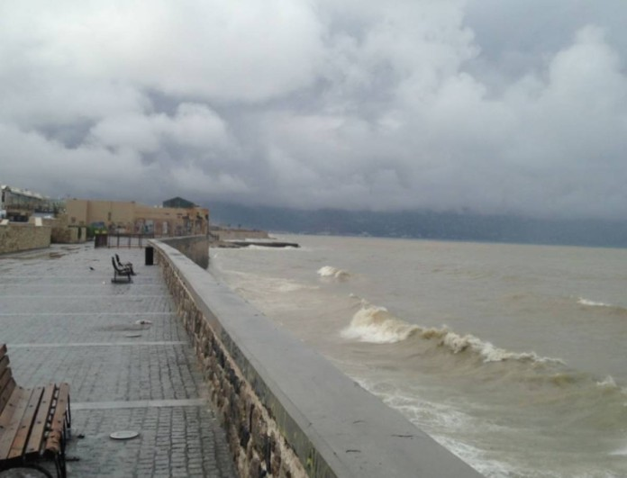 Καιρός: Απίστευτες εικόνες στην Κρήτη - Καταρρακτώδης βροχή και χαλάζι