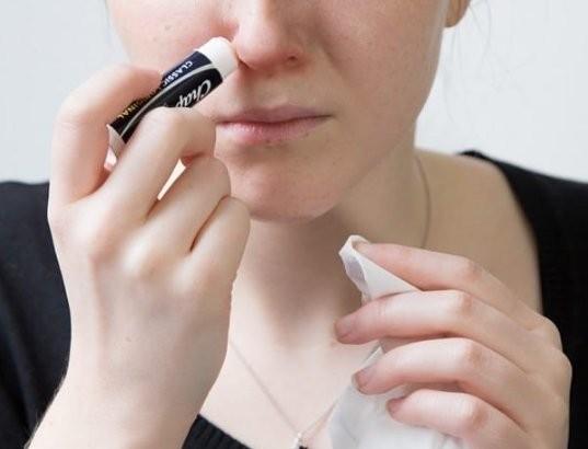 Είσαι άρρωστη; Βάλε liposan στην μύτη σου και θα μείνεις κάγκελο με αυτό που θα συμβεί